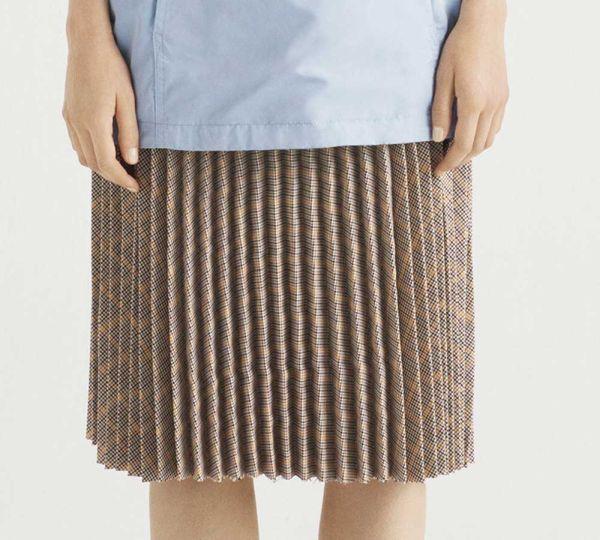 Bershka suknja srednje dužine